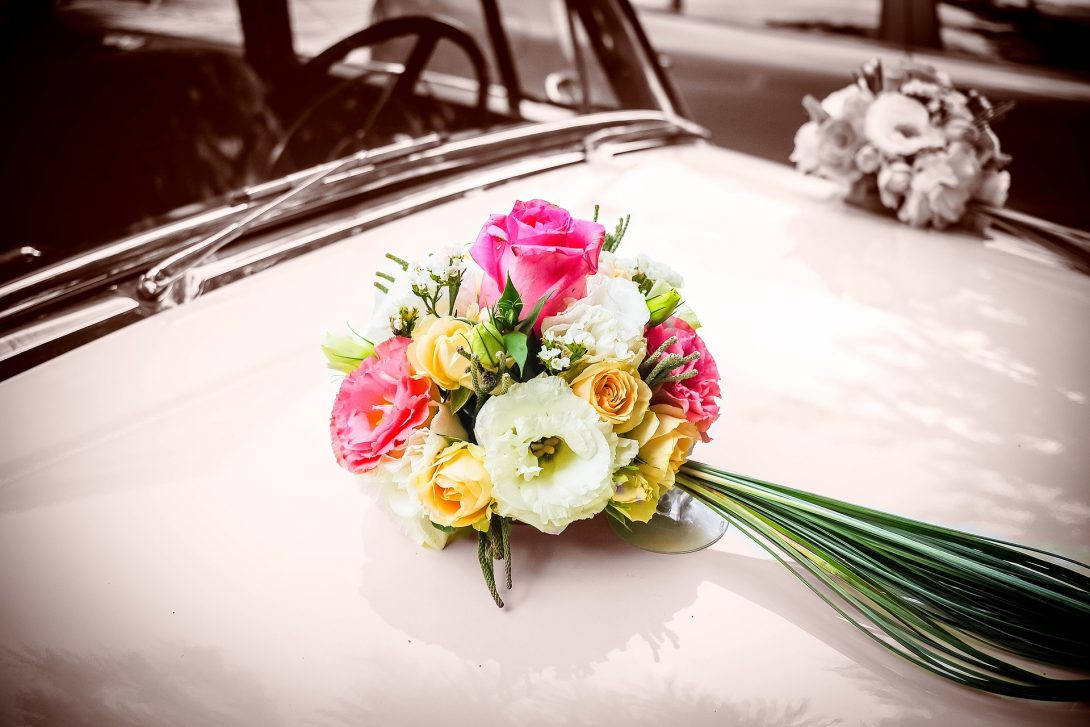 jak ozdobić samochód do ślubu