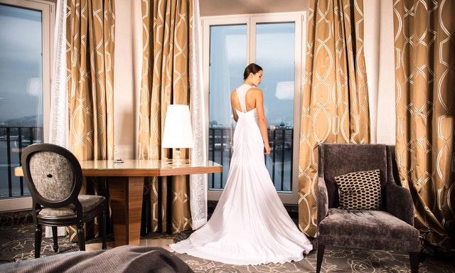 jaki kolor sukni ślubnej wybrać